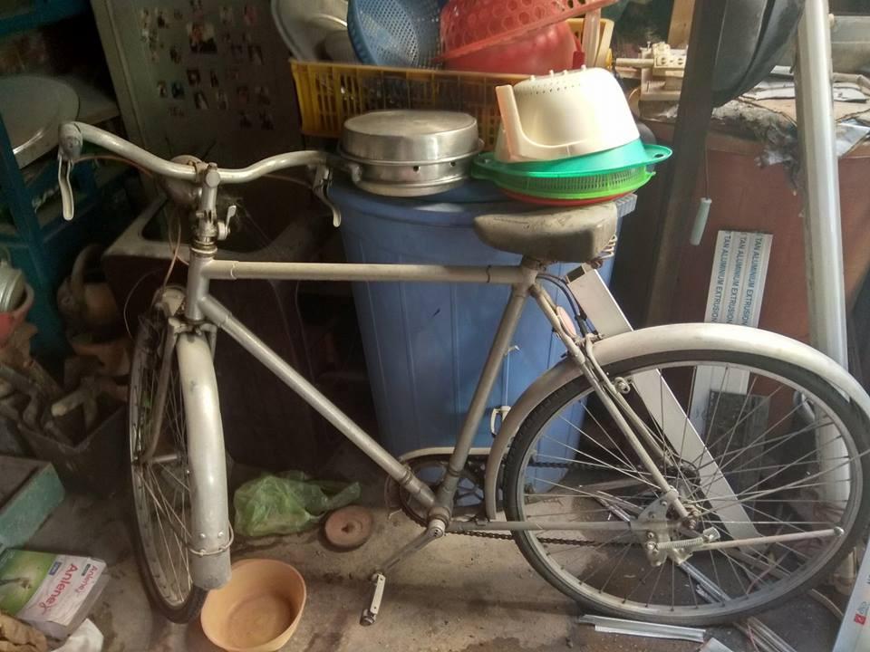 Đời sống: Trào lưu mới: Dân mạng Việt háo hức khoe đồ cổ trong nhà từ cái thìa, ống đũa tới xe đạp