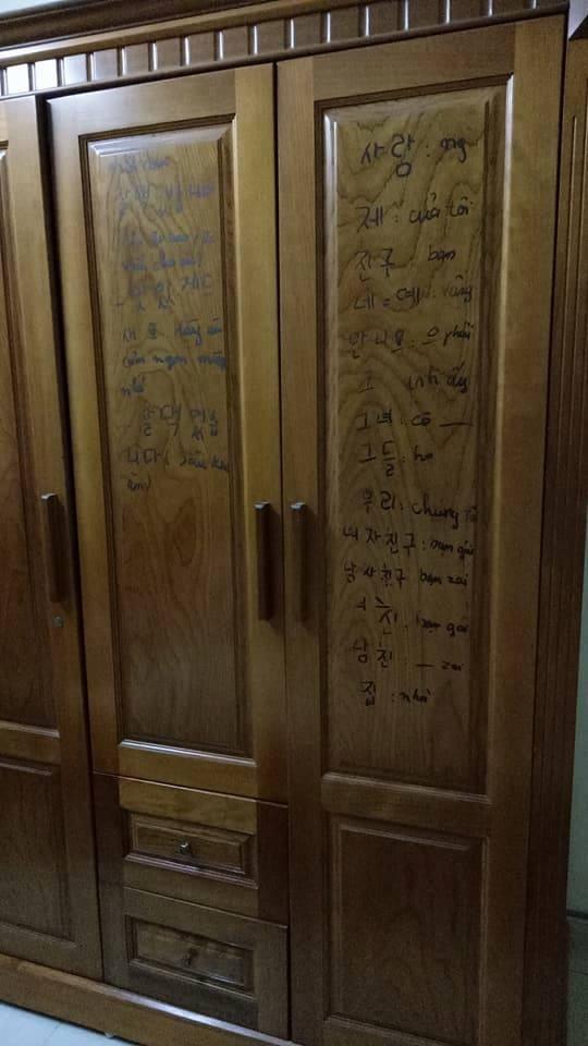 Về nhà, con gái giật mình khi thấy những bức tường chi chít chữ viết của mẹ - ảnh 3