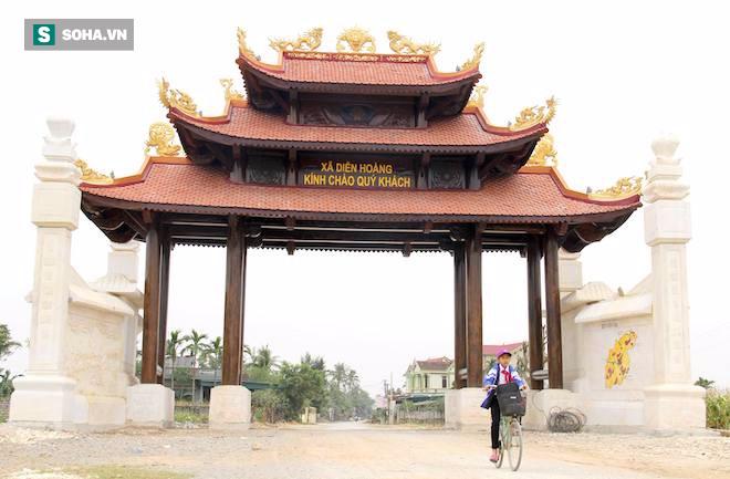 Cận cảnh cổng làng hơn 4 tỷ đồng làm từ gỗ quý ở Nghệ An - Ảnh 5.
