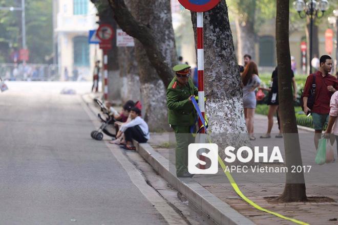 [ẢNH] Hà Nội khẩn trương chuẩn bị công tác an ninh đón Tổng thống Mỹ Donald Trump - Ảnh 4.