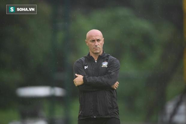 U23 Thái Lan bất ngờ được dẫn dắt bởi đồng đội cũ của cựu sao Man United - Ảnh 1.