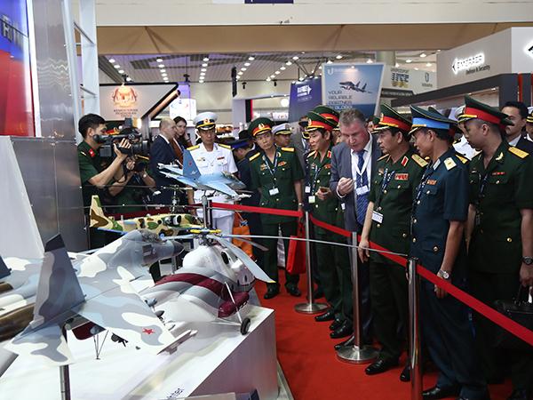 LIMA 2017: Nga giới thiệu Su-30SME và Yak-130 cùng nhiều vũ khí khác cho QĐND Việt Nam - Ảnh 2.