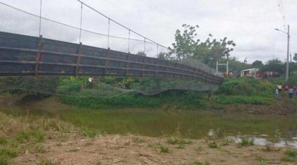 Cầu treo đứt dây, 29 người ngã thẳng xuống sông - Ảnh 4.