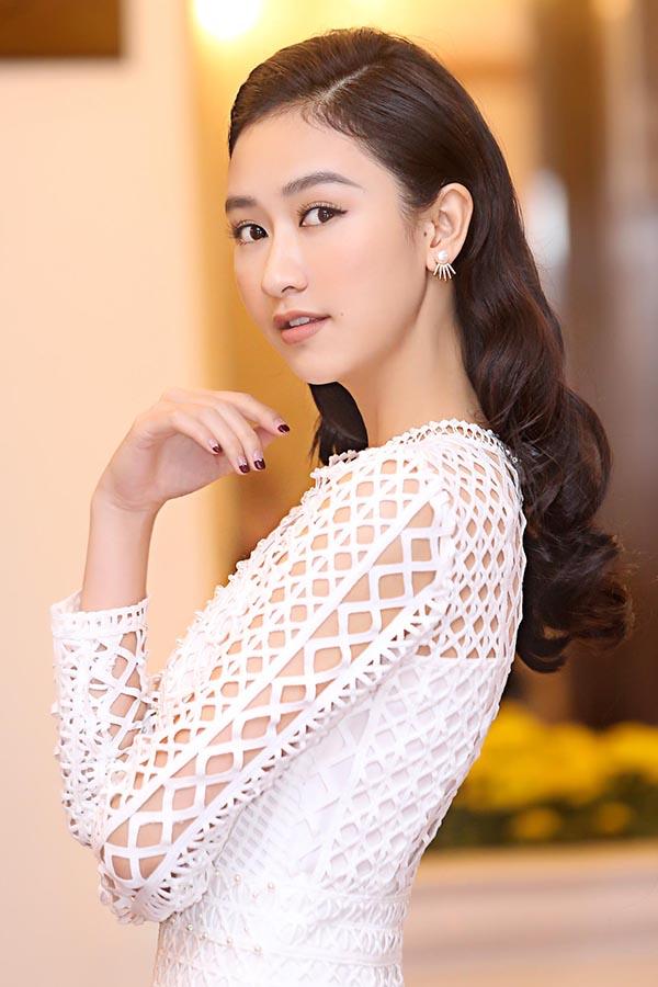 Vẻ nóng bỏng của 5 mỹ nhân Việt sắp thi nhan sắc quốc tế - Ảnh 21.