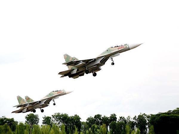 Ấn tượng quân sự Việt Nam tuần qua: Làm chủ vũ khí, khí tài, trang thiết bị hiện đại - Ảnh 7.