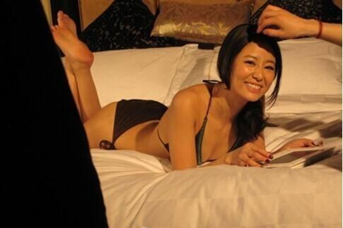 Lộ ảnh nóng, Lâm Tâm Như bị dư luận vùi dập không thương tiếc - Ảnh 3.