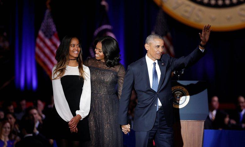 Obama nghẹn ngào khi nói về vợ, khiến con gái rơi nước mắt