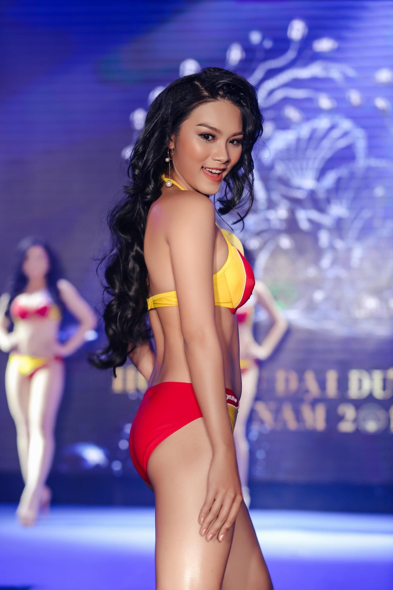 Thời Trang: Top 34 thí sinh Hoa hậu Đại dương nóng bỏng với trang phục bikini