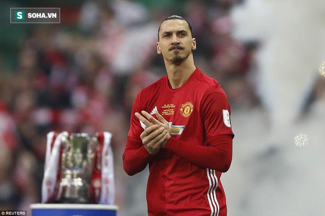 Chơi trò cút bắt, Ibrahimovic đưa Man United đăng quang trong nỗi lo thót tim - Ảnh 8.