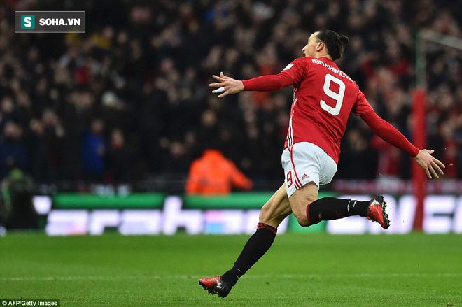 Chơi trò cút bắt, Ibrahimovic đưa Man United đăng quang trong nỗi lo thót tim - Ảnh 18.