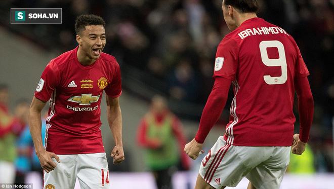 Chơi trò cút bắt, Ibrahimovic đưa Man United đăng quang trong nỗi lo thót tim - Ảnh 23.