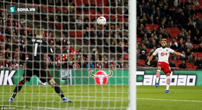 Chơi trò cút bắt, Ibrahimovic đưa Man United đăng quang trong nỗi lo thót tim - Ảnh 27.