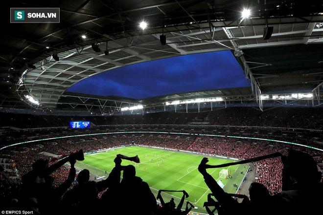 Chơi trò cút bắt, Ibrahimovic đưa Man United đăng quang trong nỗi lo thót tim - Ảnh 30.