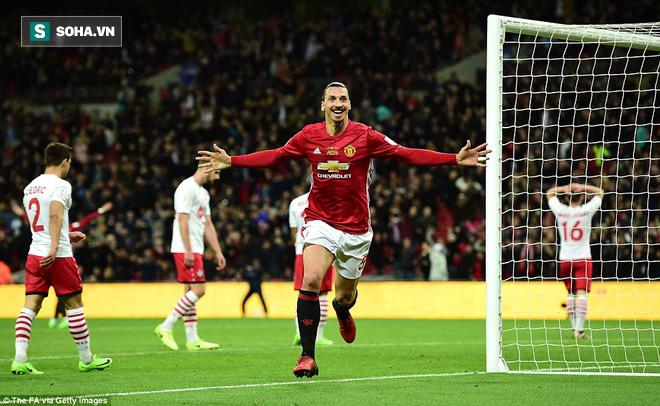 Chơi trò cút bắt, Ibrahimovic đưa Man United đăng quang trong nỗi lo thót tim - Ảnh 35.