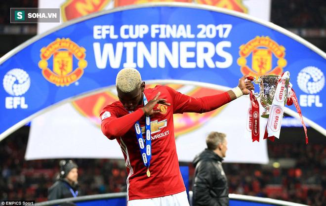 Chơi trò cút bắt, Ibrahimovic đưa Man United đăng quang trong nỗi lo thót tim - Ảnh 42.