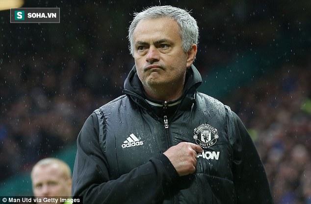 Sau sự dũng cảm phi thường, Mourinho sẽ quay lại với sự hèn nhát quen thuộc? - Ảnh 1.