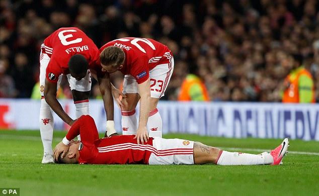Man United trả giá cực đắt sau tấm vé vào bán kết Europa League - Ảnh 4.