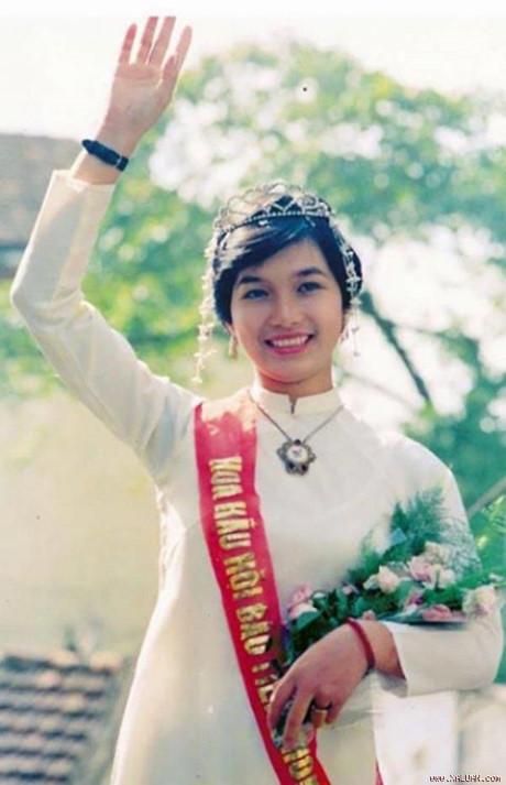 Nếu không đăng quang, công việc của các Hoa hậu Việt Nam là đây! - Ảnh 2.
