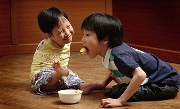 Thai nhi 3 tháng tuổi và sức sống kì diệu khiến triệu người xúc động - Ảnh 3.