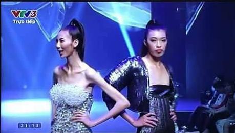 Hình ảnh gây sốc nhất chung kết Next Top, lan truyền mạnh hơn cả thời khắc Kim Dung đăng quang - Ảnh 4.