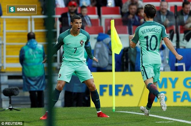 Ronaldo trao nụ hôn làm tan chảy hàng triệu trái tim - Ảnh 6