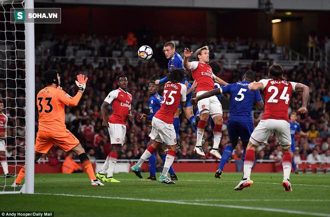 Arsenal ngược dòng nghẹt thở trước Leicester trong trận đấu 7 bàn thắng - Ảnh 2.