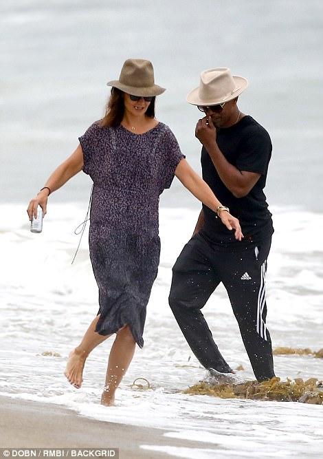 Thoát khỏi hợp đồng kỳ quặc hiệu lực 5 năm, vợ cũ Tom Cruise công khai bạn trai mới  - Ảnh 4.