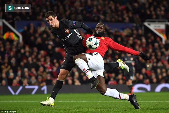 Xuất chiêu cách nhau đúng 65 giây, Lukaku và Rashford lấy tấm vé đi tiếp cho Man United - Ảnh 1.