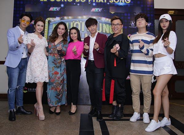 Cẩm Ly tất bật chạy show làm giám khảo - Ảnh 6.