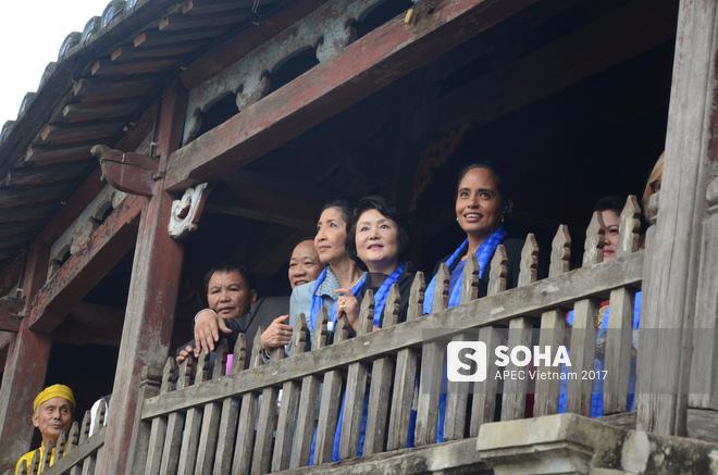 [ẢNH/VIDEO] Phu nhân/phu quân các lãnh đạo APEC hào hứng khám phá nét đẹp phố cổ Hội An - Ảnh 16.