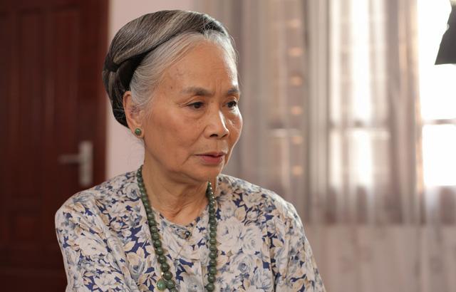 Người bà quen mặt nhất màn ảnh Việt: Cuộc sống ít biết sau gương mặt hiền hậu - Ảnh 2.