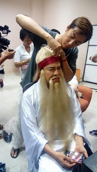 Buổi làm việc của chuyên gia make-up Phi Phi tại phim trường - Ảnh 7.