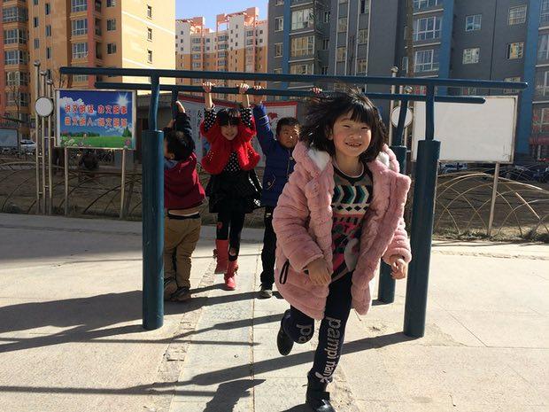 Những thành phố ma giữa lòng sa mạc ở Trung Quốc đang dần tỉnh giấc - Ảnh 7.