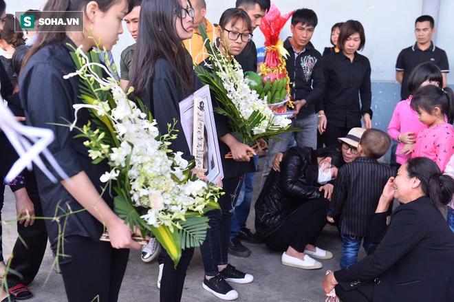 Ảnh: Thi thể bé gái người Việt tử vong ở Nhật Bản về tới Việt Nam - Ảnh 8.