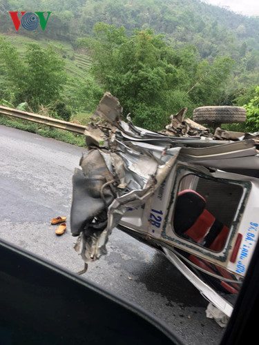 Ảnh: Hiện trường vụ tai nạn thảm khốc trên cầu Sài Hồ, Lạng Sơn - Ảnh 6.