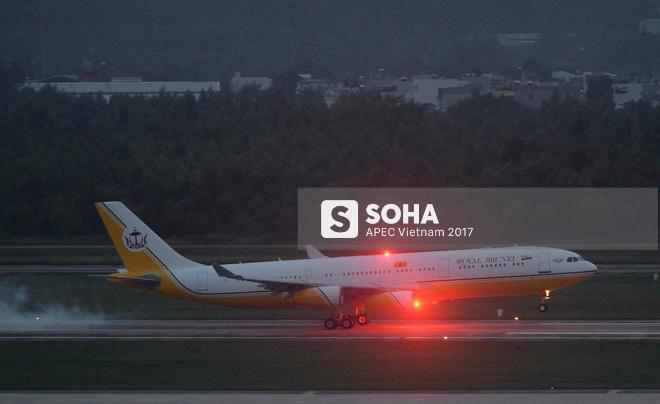 Quốc vương Brunei tự lái Cung điện bay siêu sang A340-212 tới Đà Nẵng dự APEC - Ảnh 13.