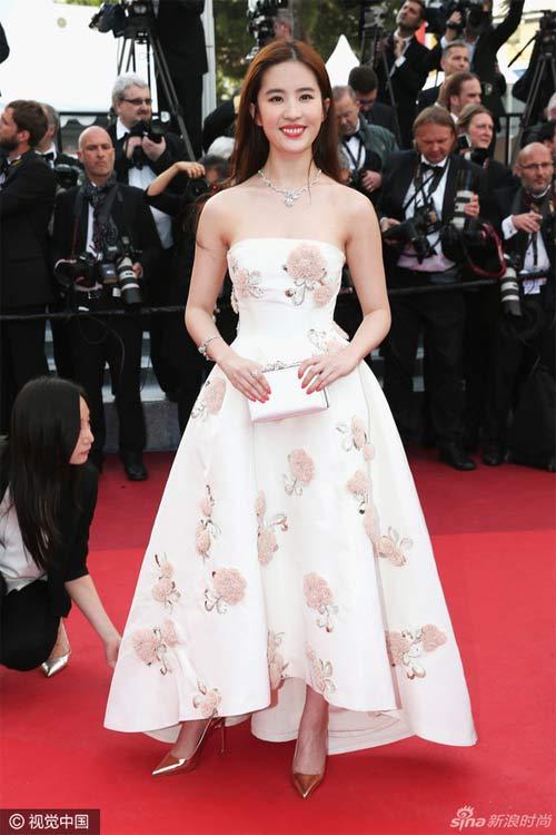 Sao Hoa Ngữ tại Cannes: Có thể đến nhưng không phải ai cũng được chú ý - ảnh 7