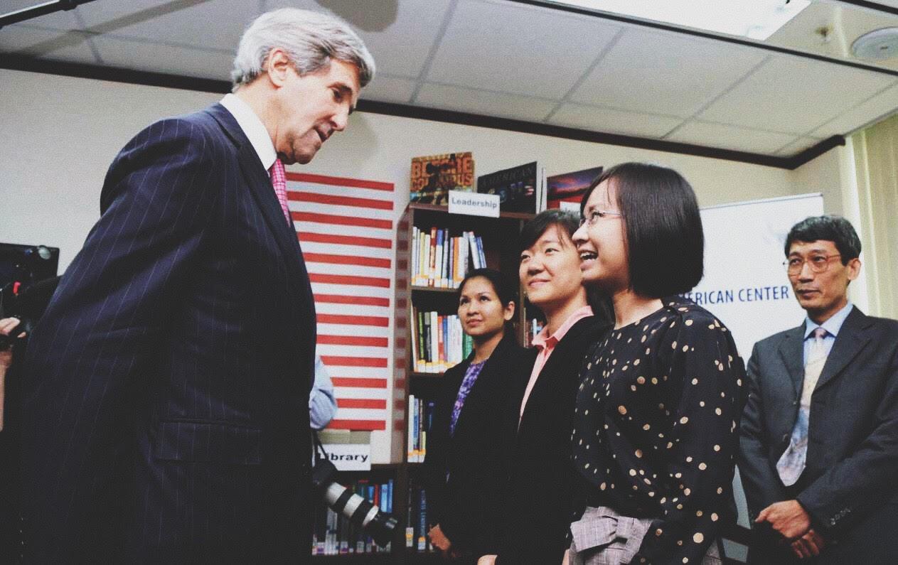 Thủ tướng Nguyễn Xuân Phúc gặp Tổng thống Donald Trump: Chuyên gia Mỹ - Việt lên tiếng về tương lai đầy hứa hẹn - Ảnh 9.