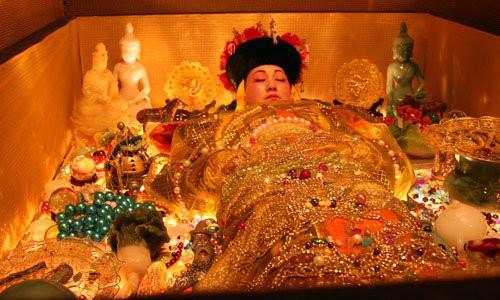 Quan tài tự di chuyển và những bí mật đáng sợ ẩn giấu trong lăng mộ hoàng gia Thanh triều - Ảnh 7.