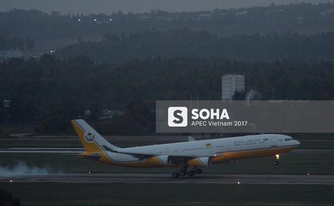 Quốc vương Brunei tự lái Cung điện bay siêu sang A340-212 tới Đà Nẵng dự APEC - Ảnh 14.