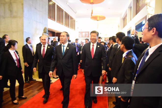 APEC 2017: hình ảnh chủ tịch nước Trần Đại Quang với tổng thống Nga Putin và chủ tịch Trung Quốc Tập Cận Bình.