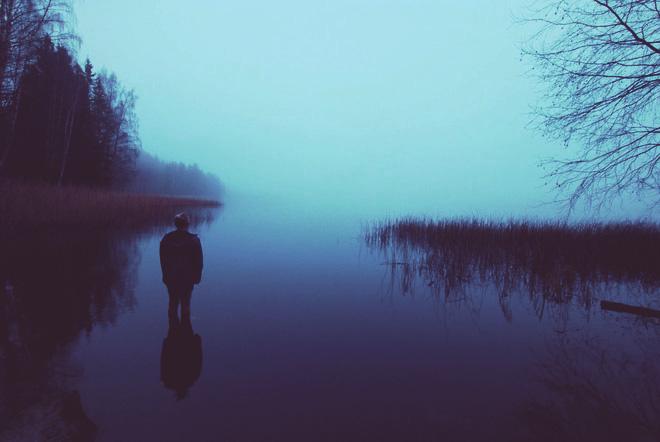 Hồ nước không có rong rêu, nghe thấy vậy, chàng trai lao xuống nước tự vẫn, tại sao vậy? - Ảnh 2.