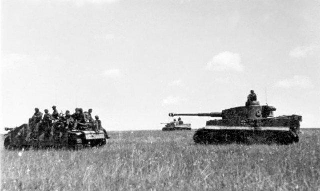 Trận đấu tăng lớn nhất trong lịch sử - Những hình ảnh từ phía Đức - Ảnh 20.