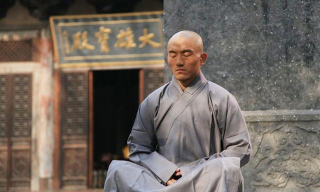 """Đắm chìm trong """"tửu sắc"""", Đệ nhất Thiếu Lâm Yi Long mới thua ê chề ngay sân nhà? - Ảnh 8."""