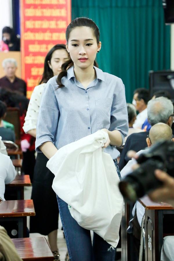 Đặng Thu Thảo có làm mất giá trị của Hoa hậu Việt Nam như lời NTK Việt Hùng nói? - Ảnh 6.