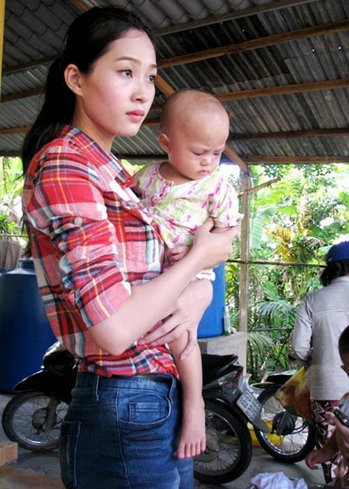 Đặng Thu Thảo có làm mất giá trị của Hoa hậu Việt Nam như lời NTK Việt Hùng nói? - Ảnh 7.