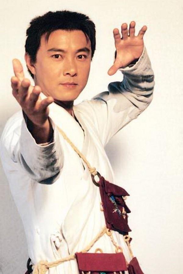 Trương Vệ Kiện lừng lẫy một thời phải đi hát ở vùng nông thôn, bẽ bàng vì không ai nhận ra - Ảnh 3.