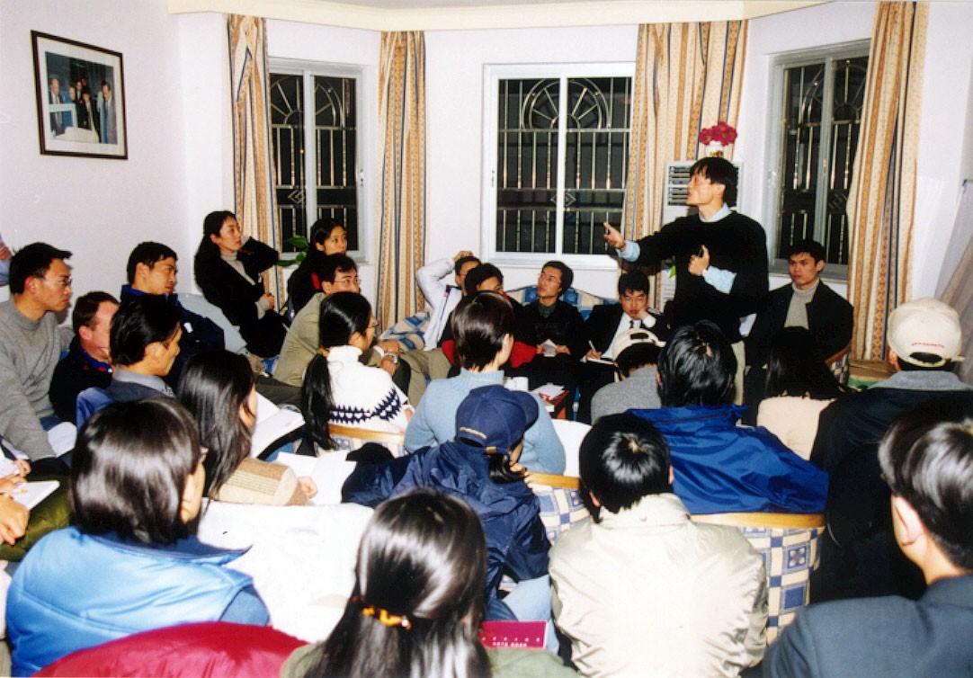 Jack Ma: Tên lừa đảo, gã khùng, kẻ mơ mộng cuồng điên! - Ảnh 6.
