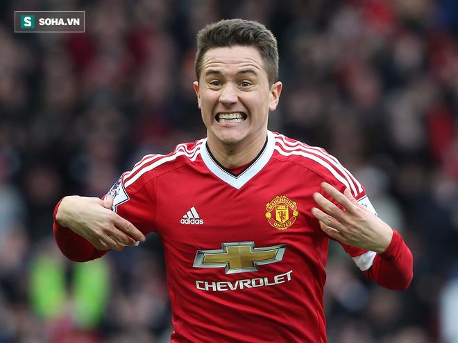Bài toán tiền vệ trung tâm đang đe dọa mùa giải của Mourinho - Ảnh 2.