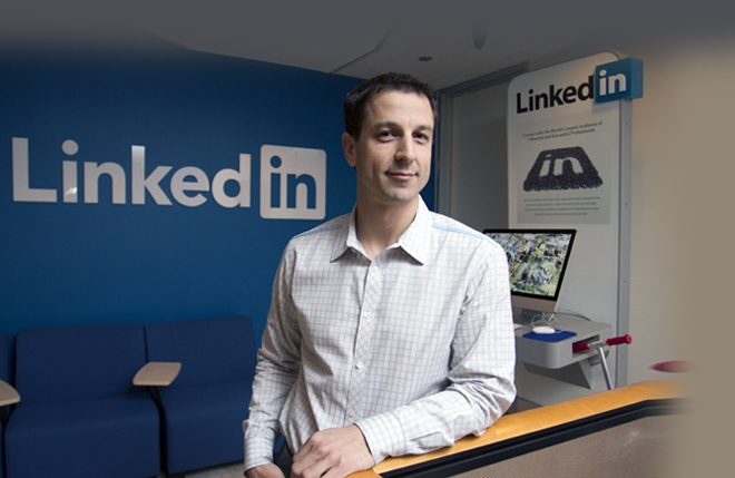 Nếu Sếp nào thiếu lòng TRẮC ẨN với nhân viên, hãy đọc câu chuyện của Đạt Lai Lạt Ma giúp lãnh đạo LinkedIn thay đổi - Ảnh 5.
